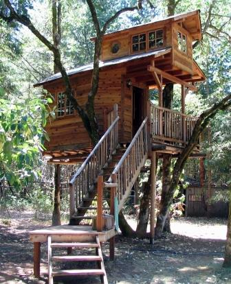 OuAbout Tree Resort Serendipity Treehouse in Oregon