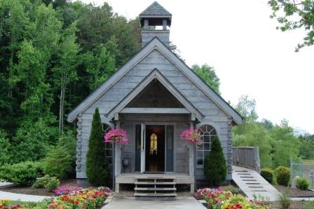 Family Reunion Chapel in Pigeon Forge