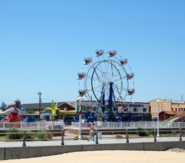 Virginia Beach Ferris Wheel