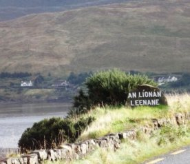 Leenane Connemara Ireland Rock Road Sign