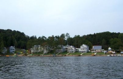 Chestnut Bay Resort Leesburg Alabama http://www.thefamilytravelfiles.com/ezine/articles/391/chestnut-bay-resort-leesburg-weiss-lake-alabama-places-to-stay/